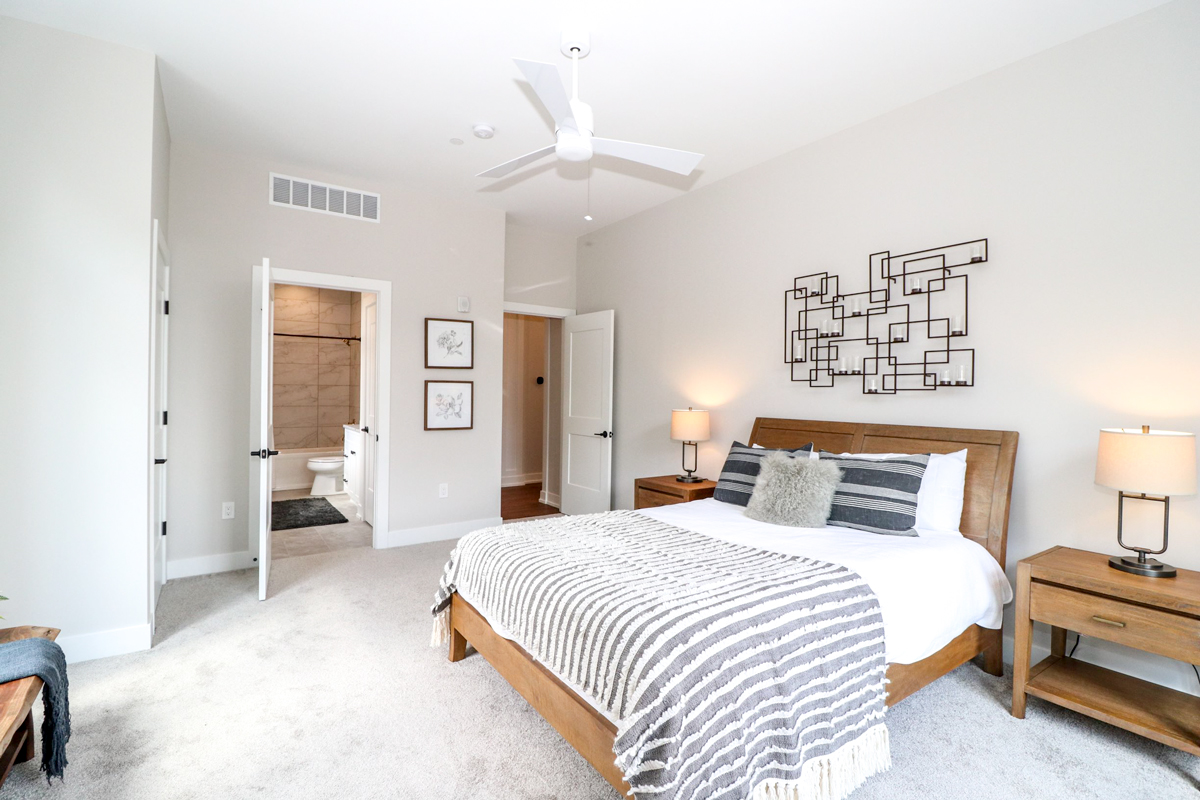 The Verandas Covington Kentucky Guest Bedroom